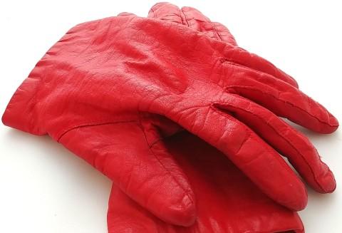 gloves-01 BY CHARLEBOIS