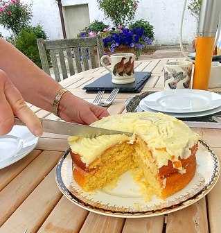 Lovely lemon cake with tea in Herefordshire