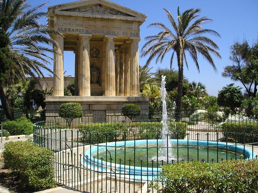 Valletta Upper Barracca Gardens - Malta
